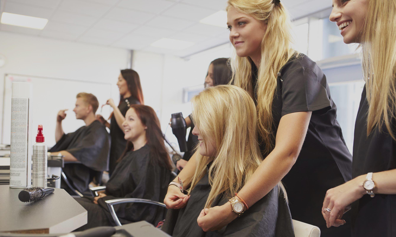 Курсы парикмахеров с нуля (обучение по хорошим ценам)